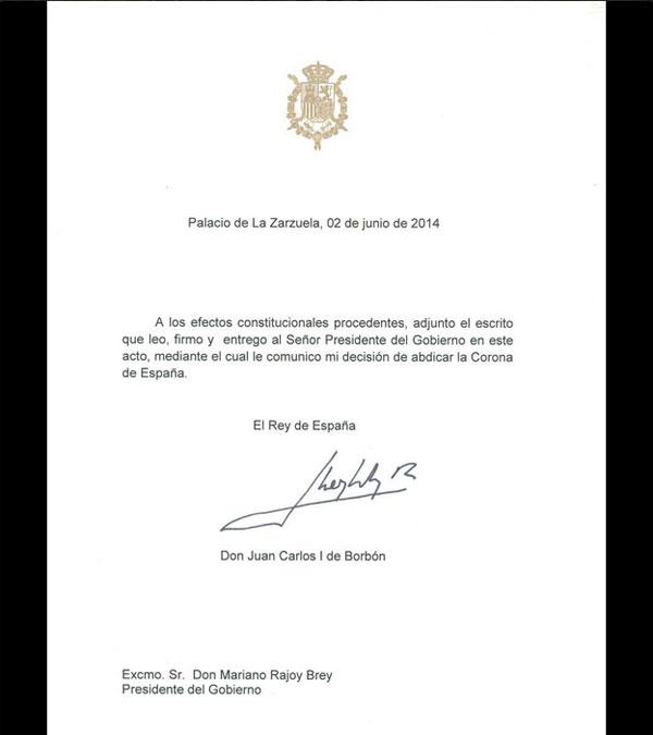 La Reina Sofía regresa de Bilderberg y el Rey Juan Carlos abdica