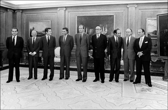 Fraga, Landelino Lavilla, Santiago Carrillo, Adolfo Suarez, Felipe González, el sucesor, Miquel Roca y Xavier Arzallus